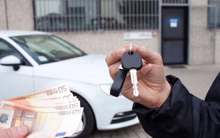 5d80cdb89fad В салонах российских производителей торговаться не имеет смысла. Гораздо  охотнее скидку или подарок вам сделают в салоне Mercedes или BMW.