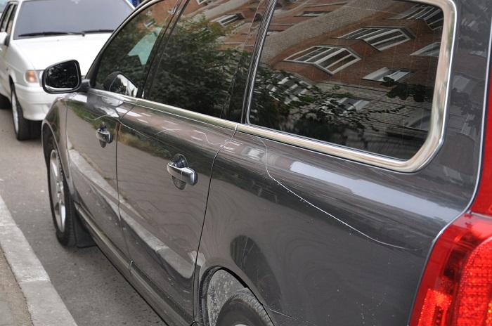 Как заделать царапину на машине, не прибегая к традиционной покраске?