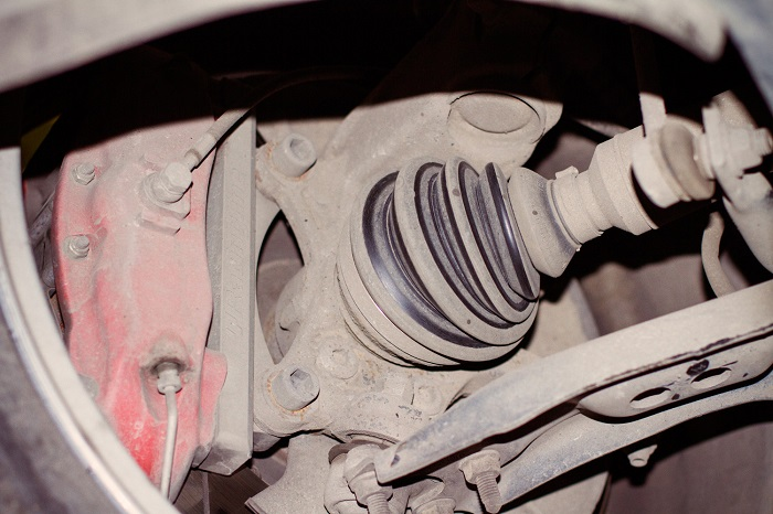 стук в правом колесе BMW e60