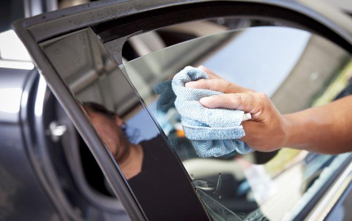 Как самому затонировать стекла авто