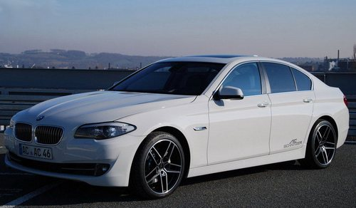 BMW 5-Series Седан 520d BluePerformance Efficient Dynamics (Четырехдверная модель)