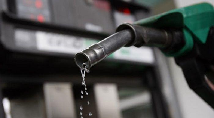 Почему в машине пахнет бензином? Мы нашли 8 основных причин